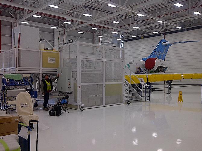 Monte charge, plateforme d'assemblage d'avion